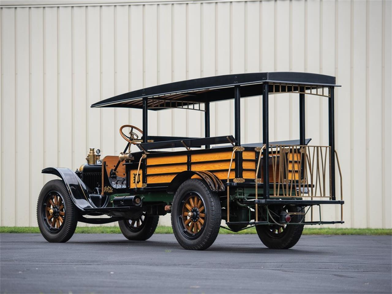 Large Picture of Classic 1919 Bus Auction Vehicle Offered by RM Sotheby's - R1YA