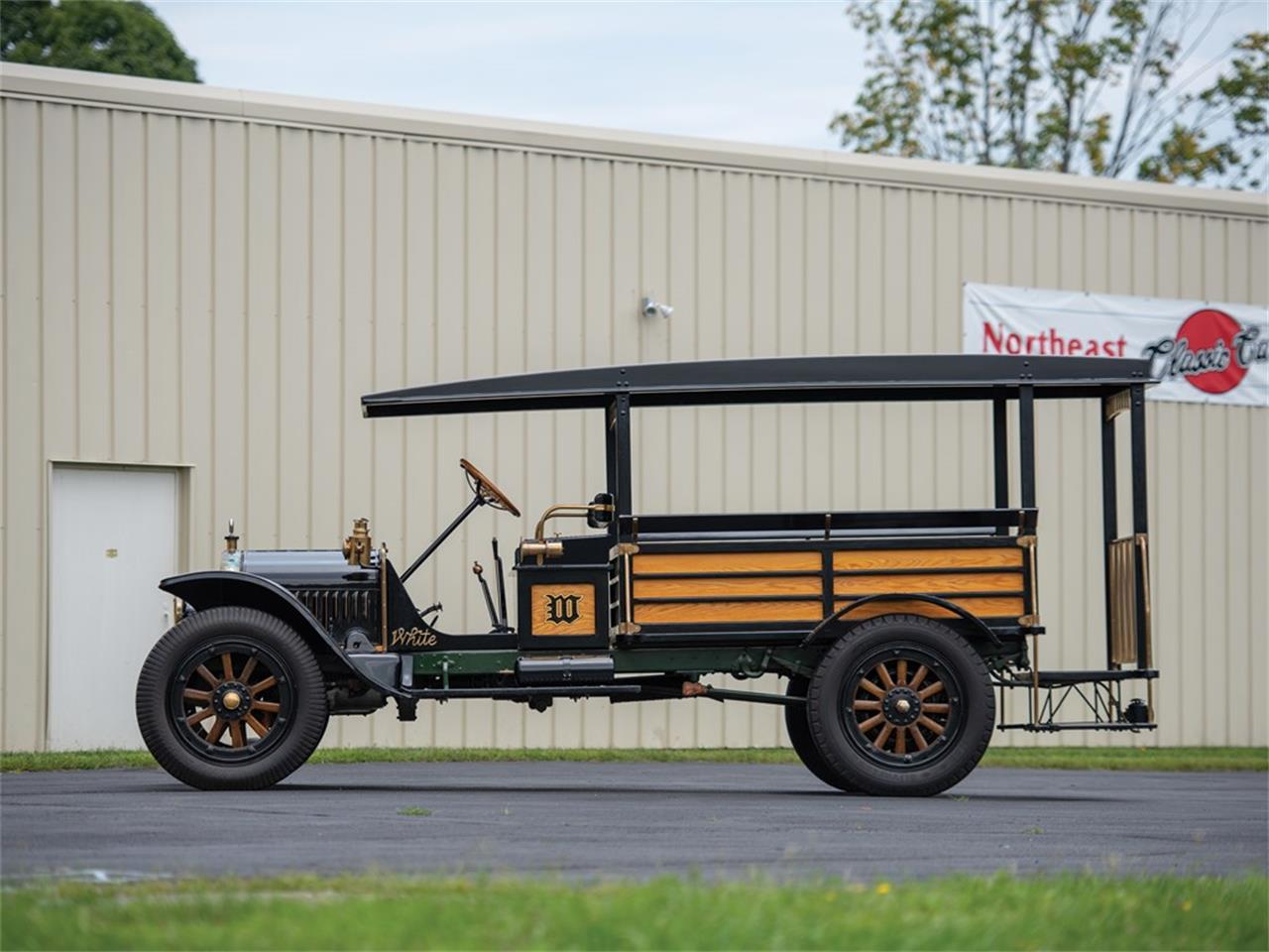 Large Picture of Classic 1919 White Bus Offered by RM Sotheby's - R1YA