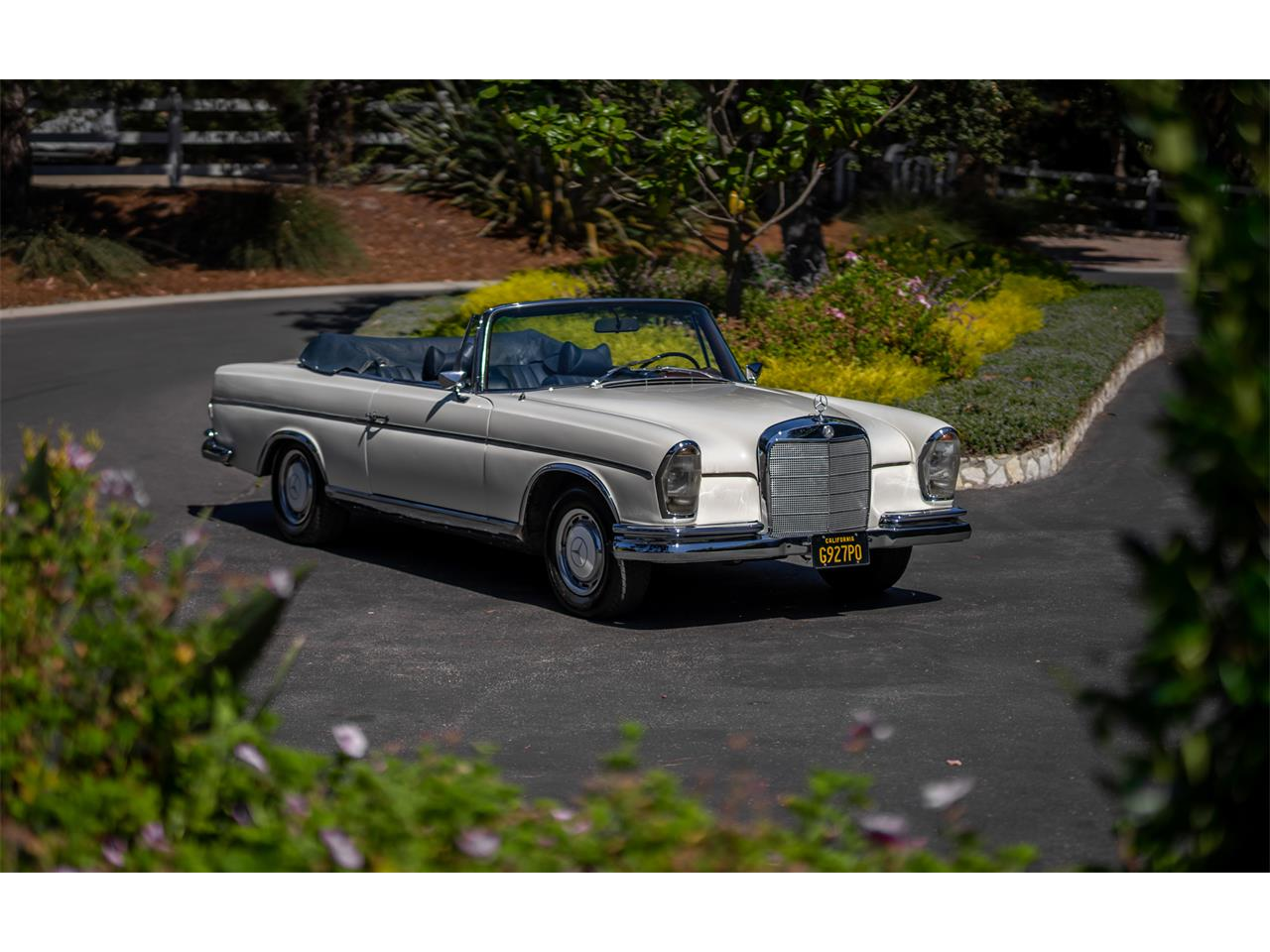 Large Picture of '64 Mercedes-Benz 220SE Offered by Bring A Trailer - R20Z