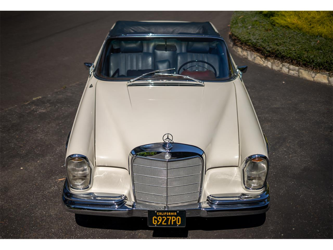 Large Picture of Classic '64 Mercedes-Benz 220SE located in Los Angeles California - R20Z