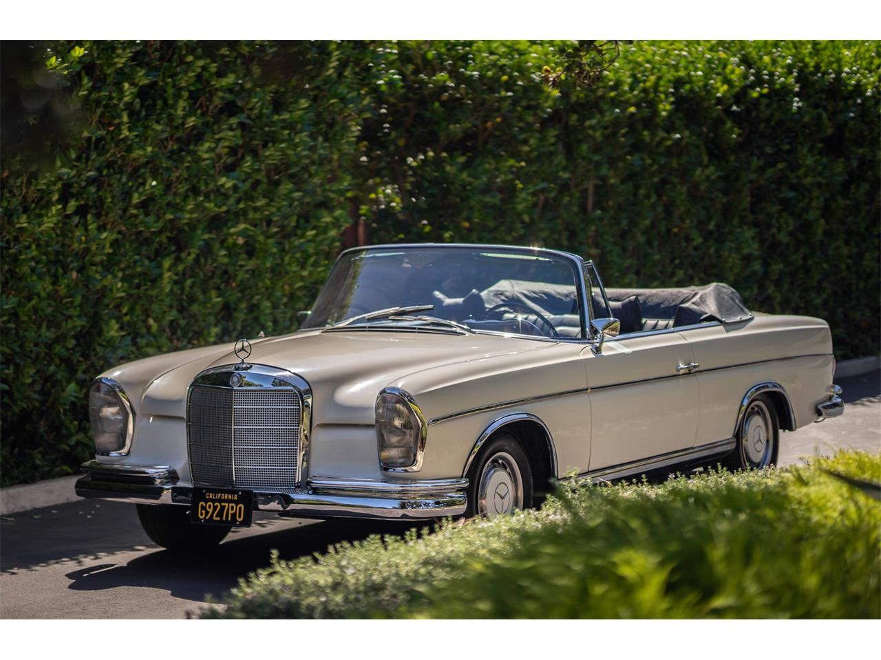 Large Picture of 1964 Mercedes-Benz 220SE - R20Z
