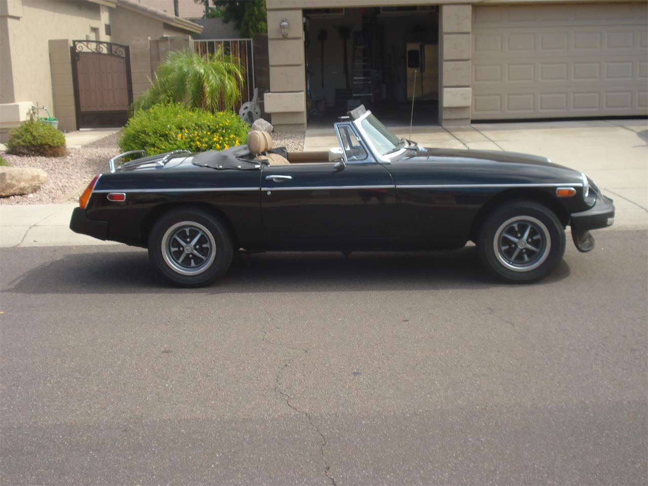 Large Picture of '77 MGB - R28W