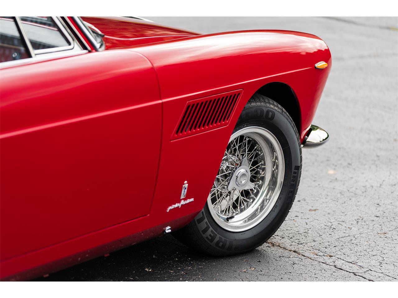 Large Picture of Classic 1962 Ferrari 250 located in Pontiac Michigan - R299