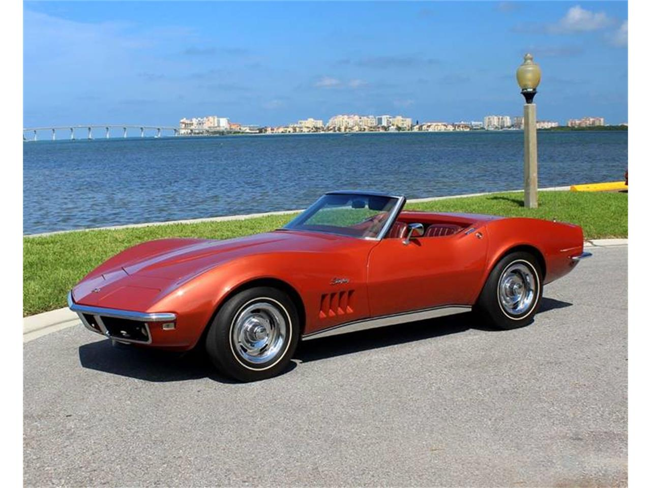 Large Picture of '68 Corvette - R2FG