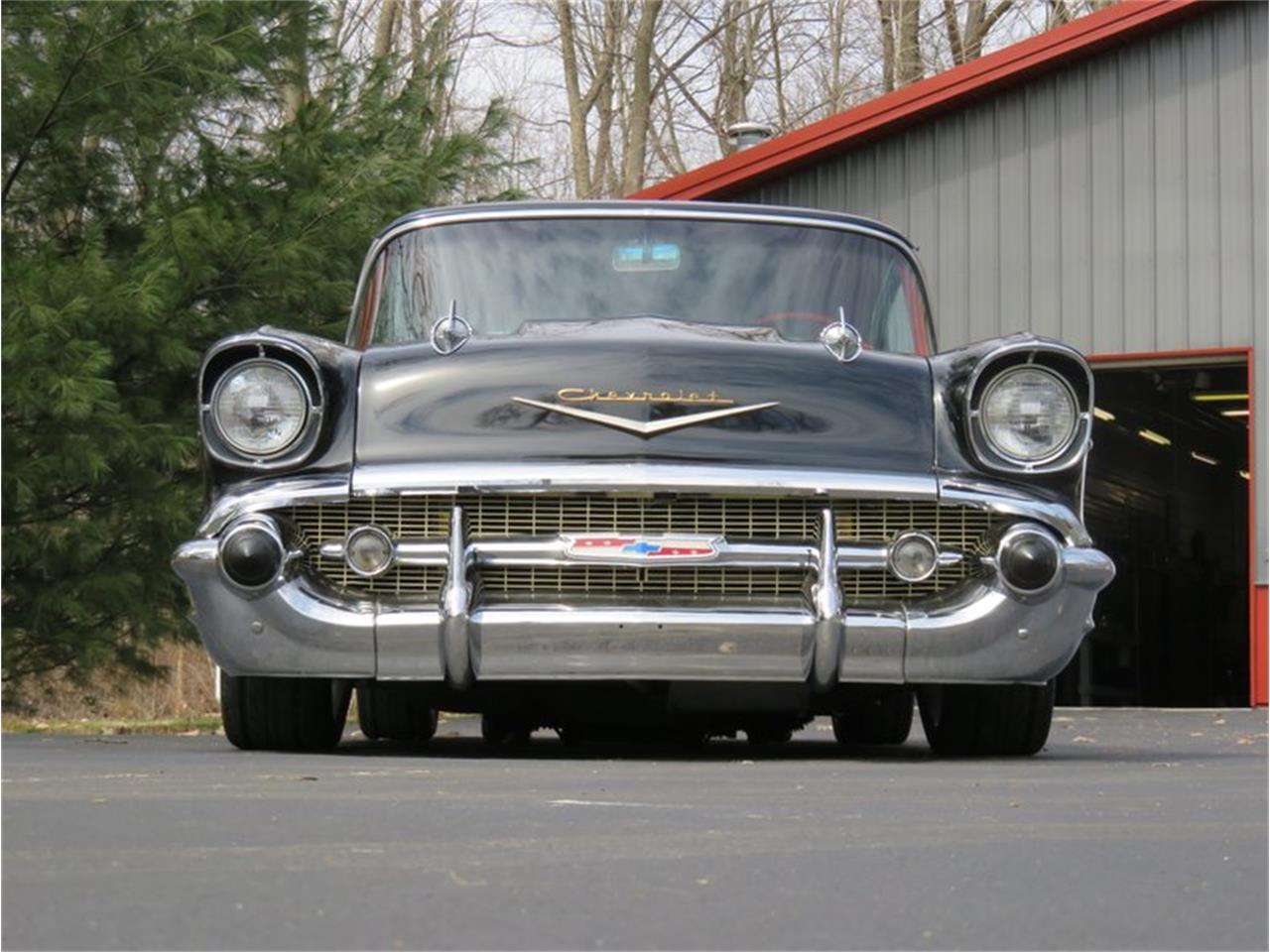 Large Picture of '57 Bel Air - R2K2