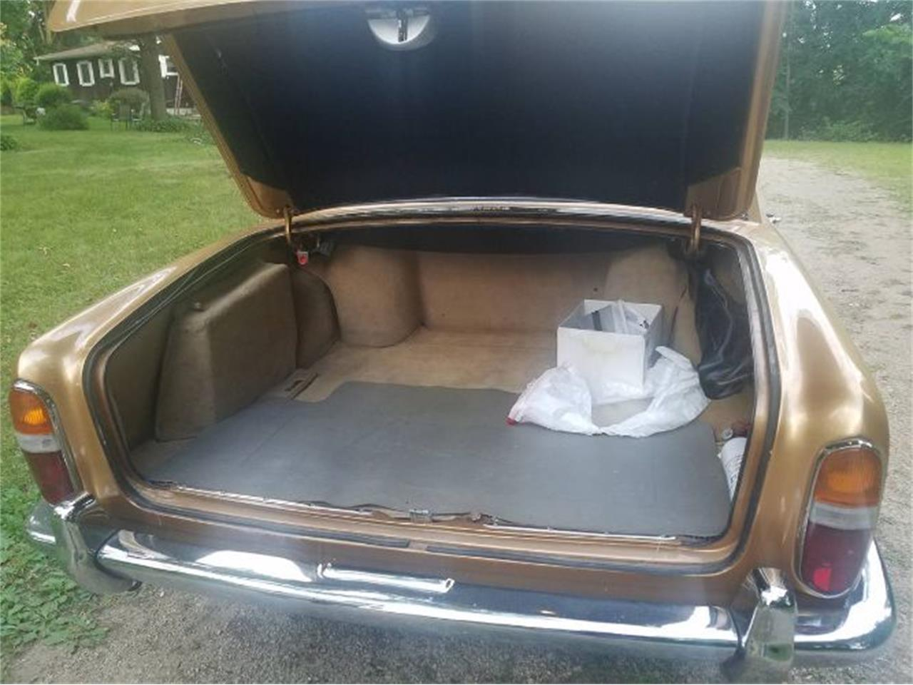 Large Picture of '73 Rolls-Royce Silver Shadow located in Cadillac Michigan Offered by Classic Car Deals - R0GQ