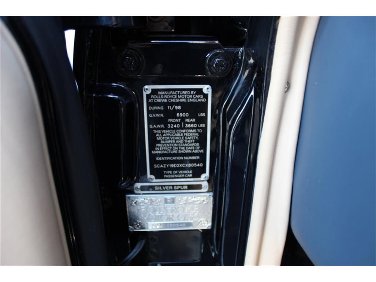 Large Picture of '99 Rolls-Royce Silver Spur Auction Vehicle - R2UN