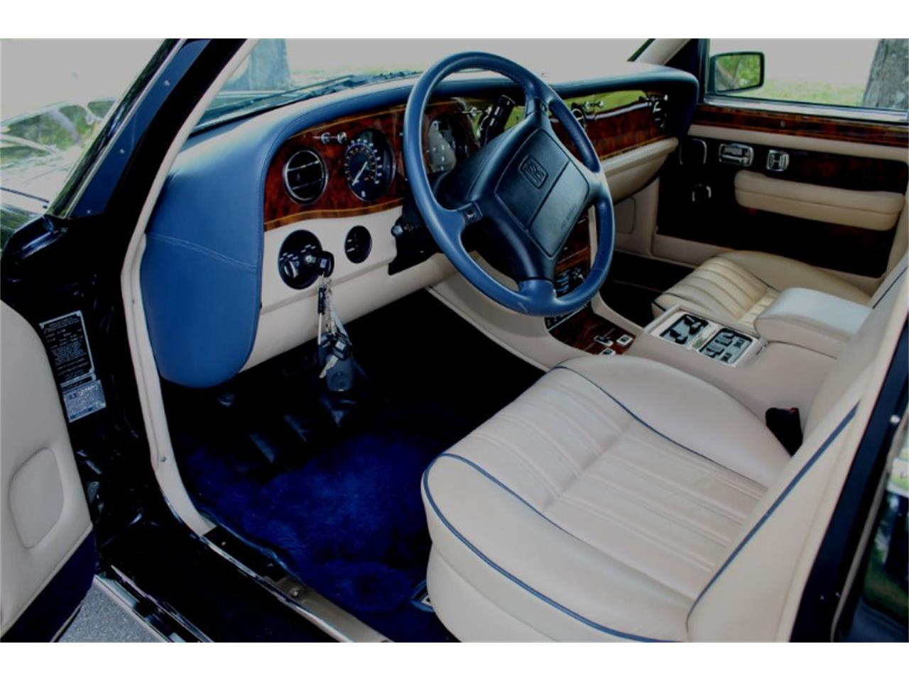 Large Picture of 1999 Silver Spur located in Florida Auction Vehicle Offered by Vantage Motorworks - R2UN