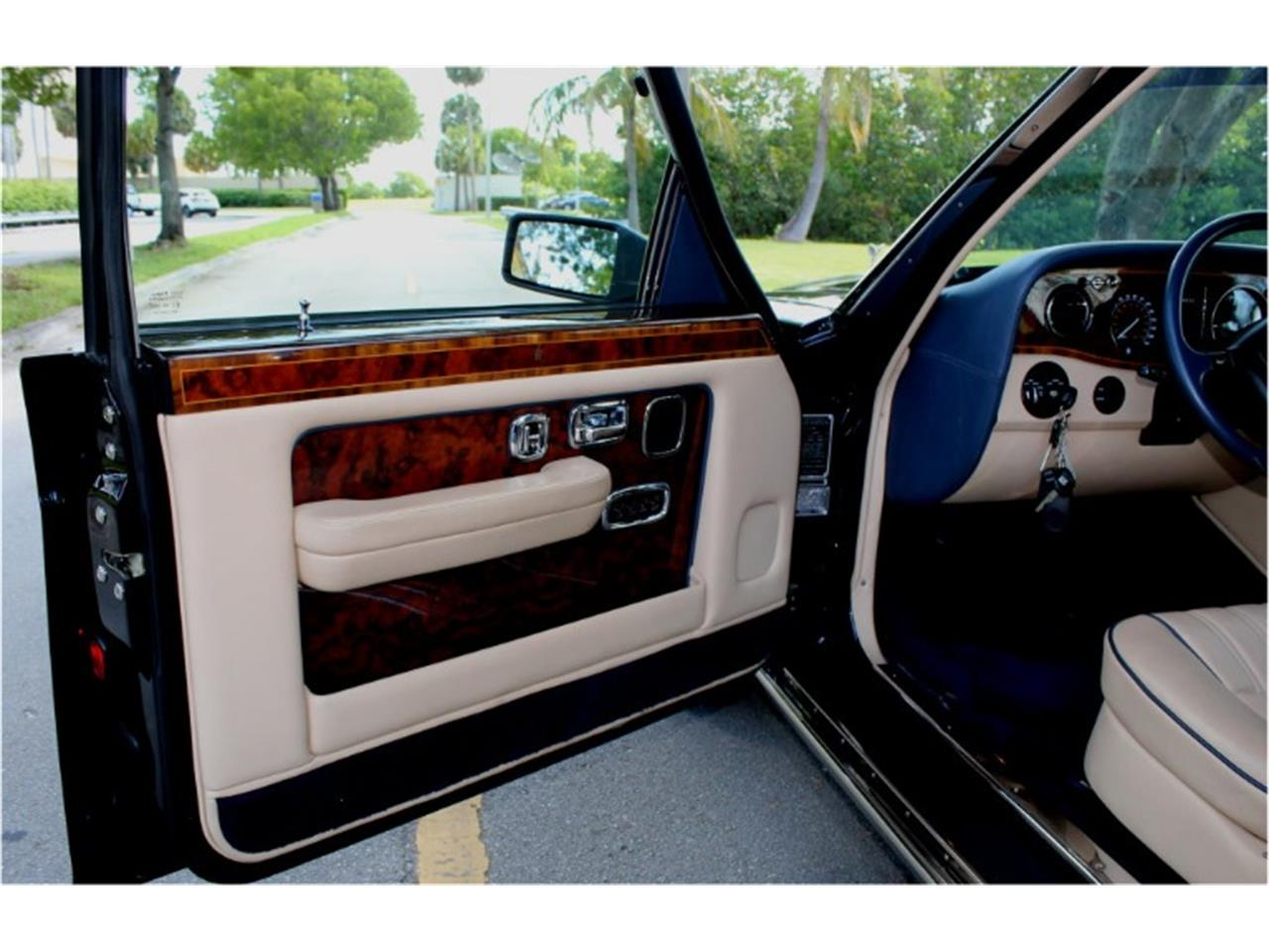Large Picture of 1999 Rolls-Royce Silver Spur located in North Miami  Florida Auction Vehicle - R2UN