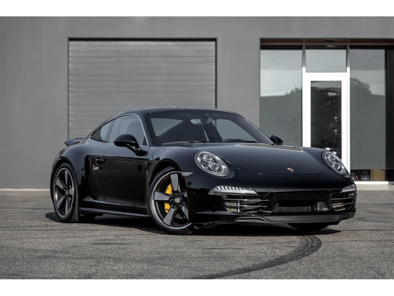 Large Picture of '14 911 located in Costa Mesa California - R321