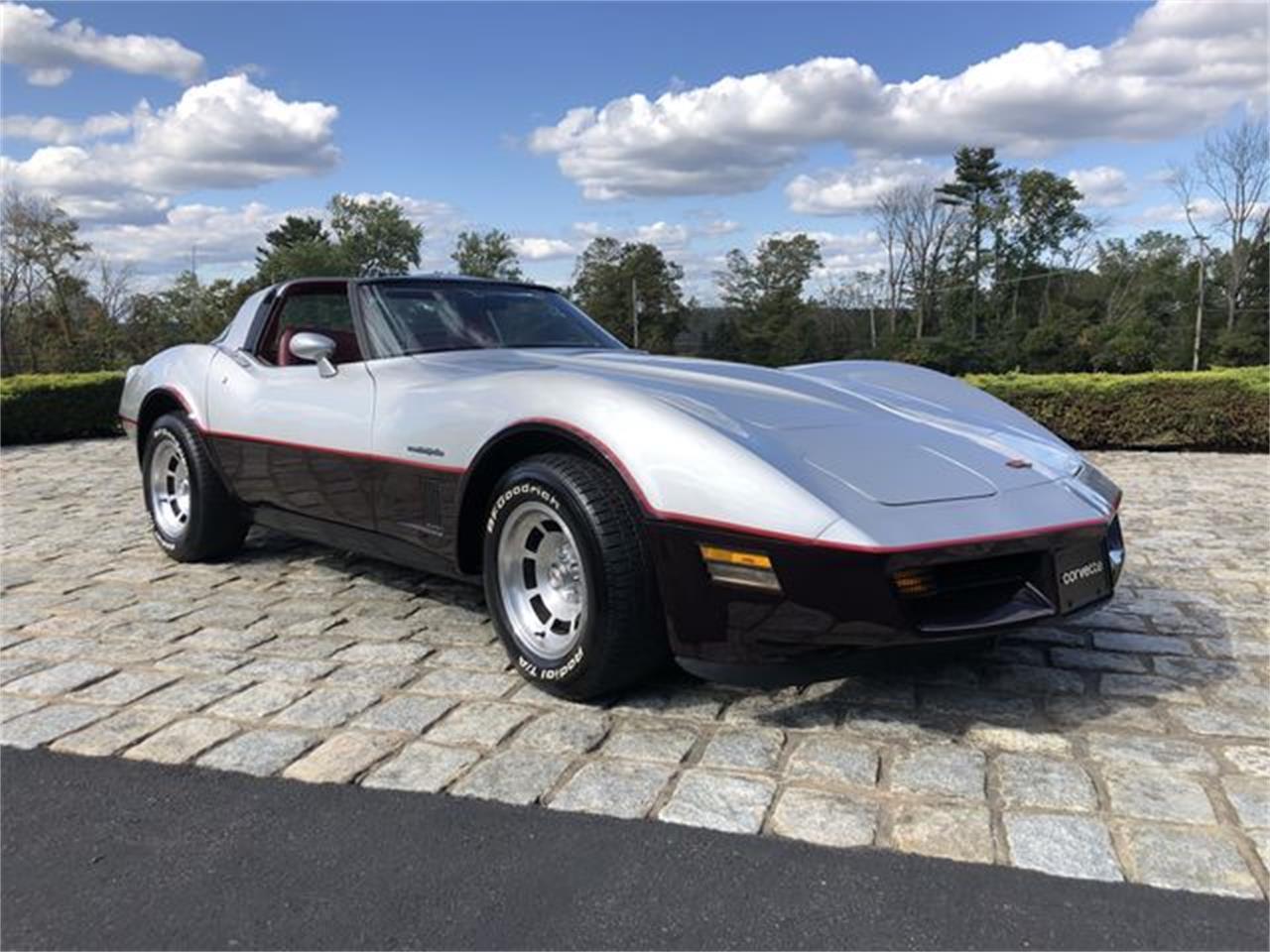 Large Picture of '82 Corvette - R362