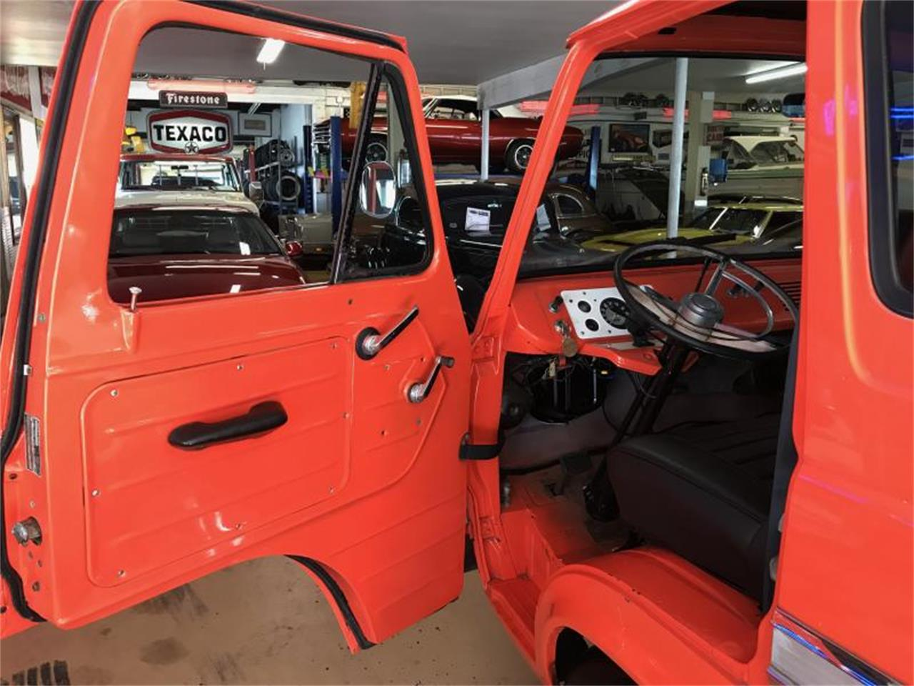 Large Picture of '65 Ford Econoline located in Washington - R37C