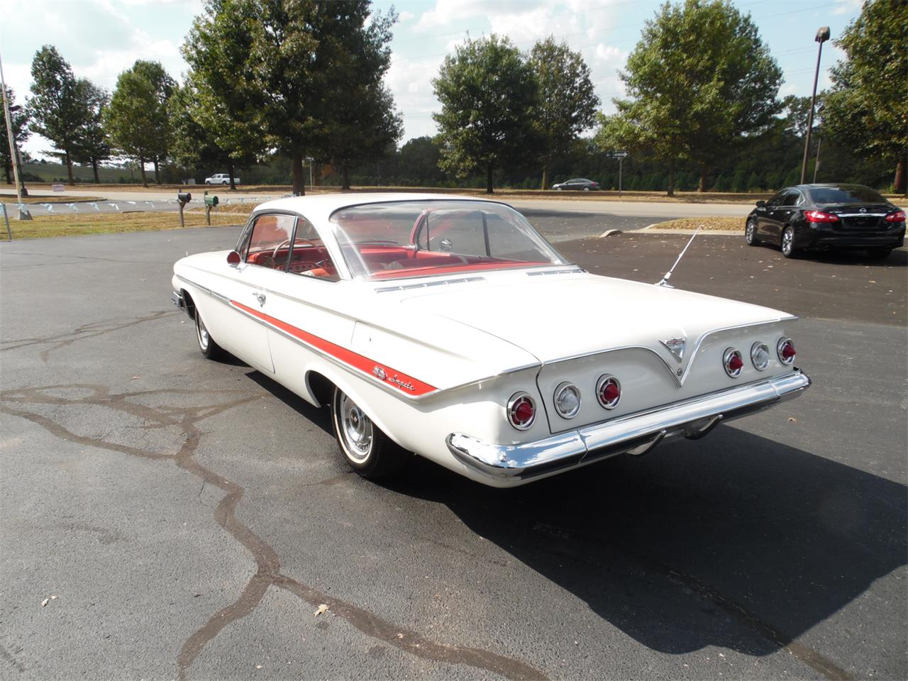 Large Picture of '61 Impala SS - R3E7