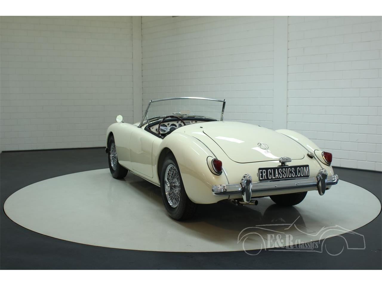 Large Picture of '58 MGA - R3H6