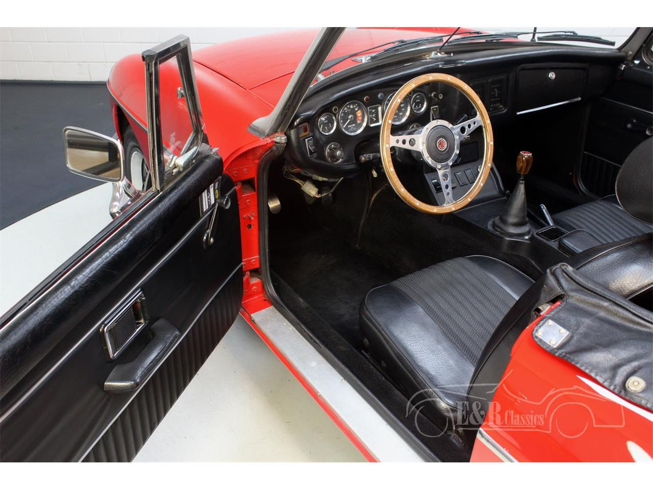 Large Picture of '74 MGB - R3HA