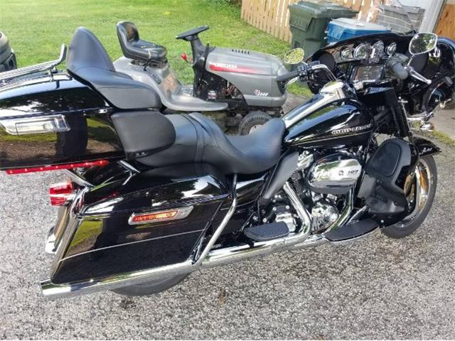Picture of '17 Electra Glide - R0JT