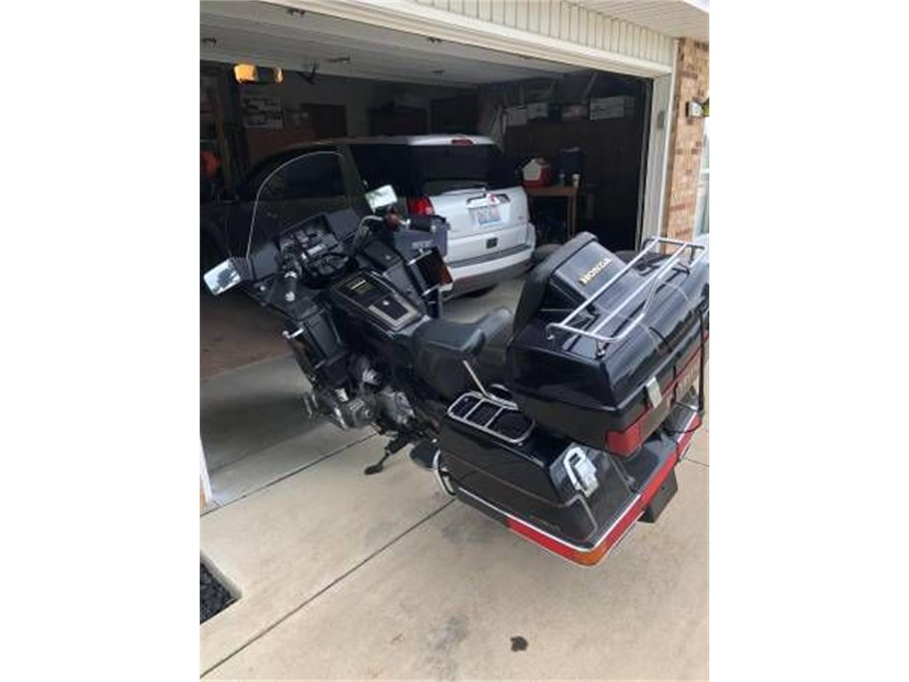 Large Picture of '98 Honda Goldwing located in Michigan - R0KJ