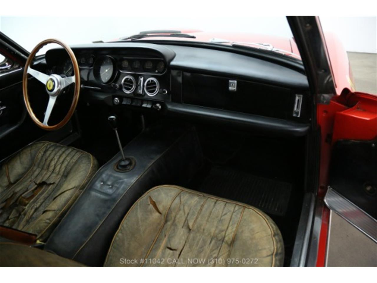 Large Picture of Classic 1966 330 GT - R3V2