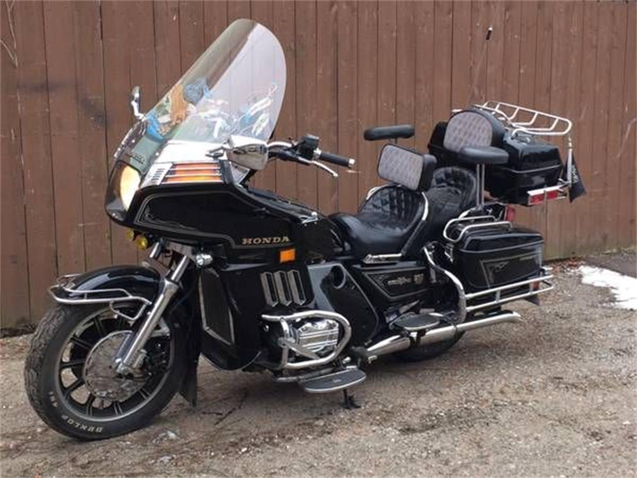 Large Picture of '83 Goldwing - R0L6