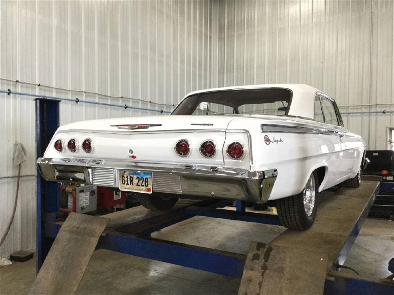 Large Picture of '62 Impala - R3W8