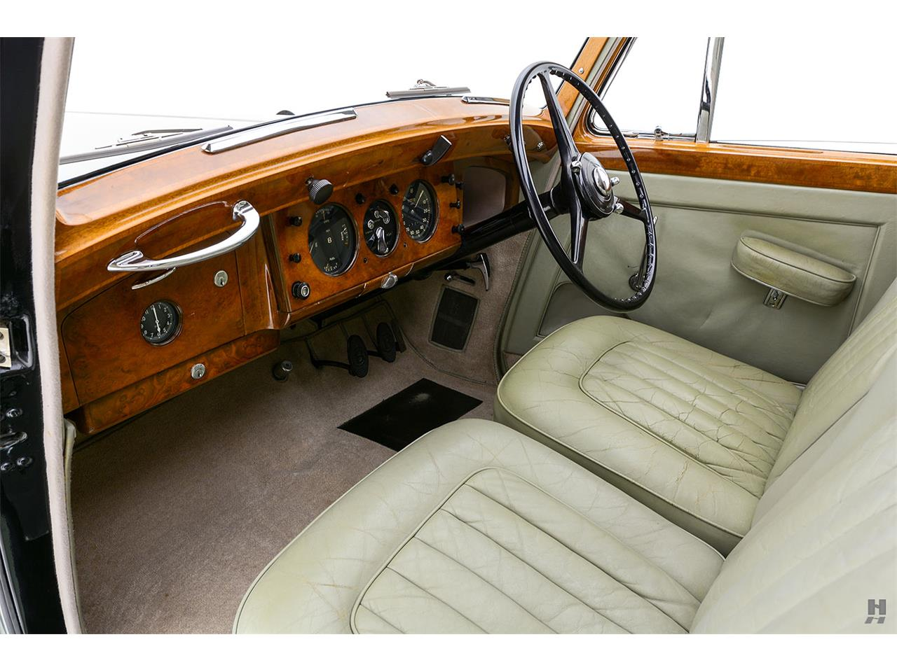 Large Picture of Classic '52 Bentley Mark VI - $43,500.00 - R3WC