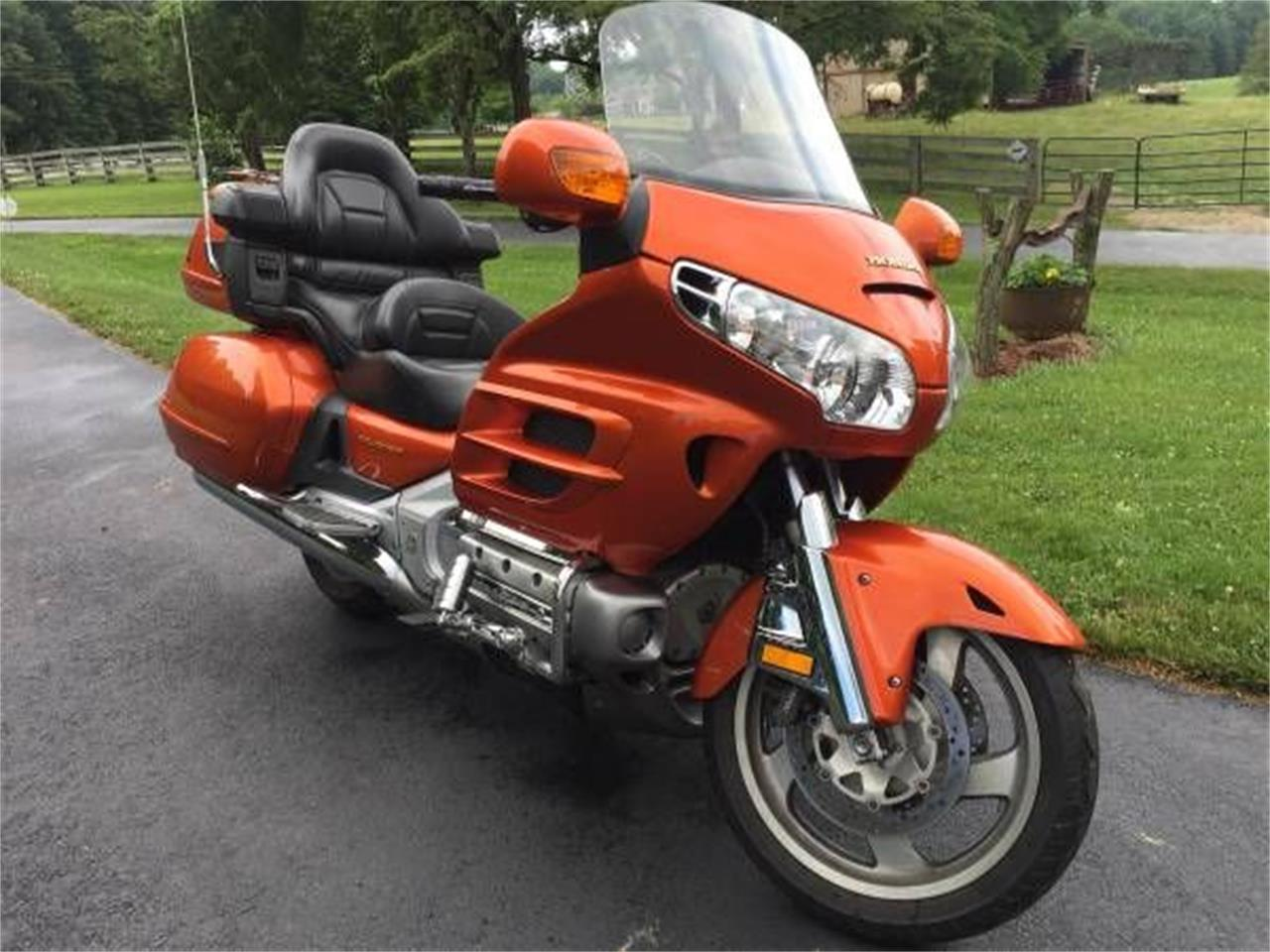 Large Picture of '02 Goldwing located in Michigan Offered by Classic Car Deals - R0NN