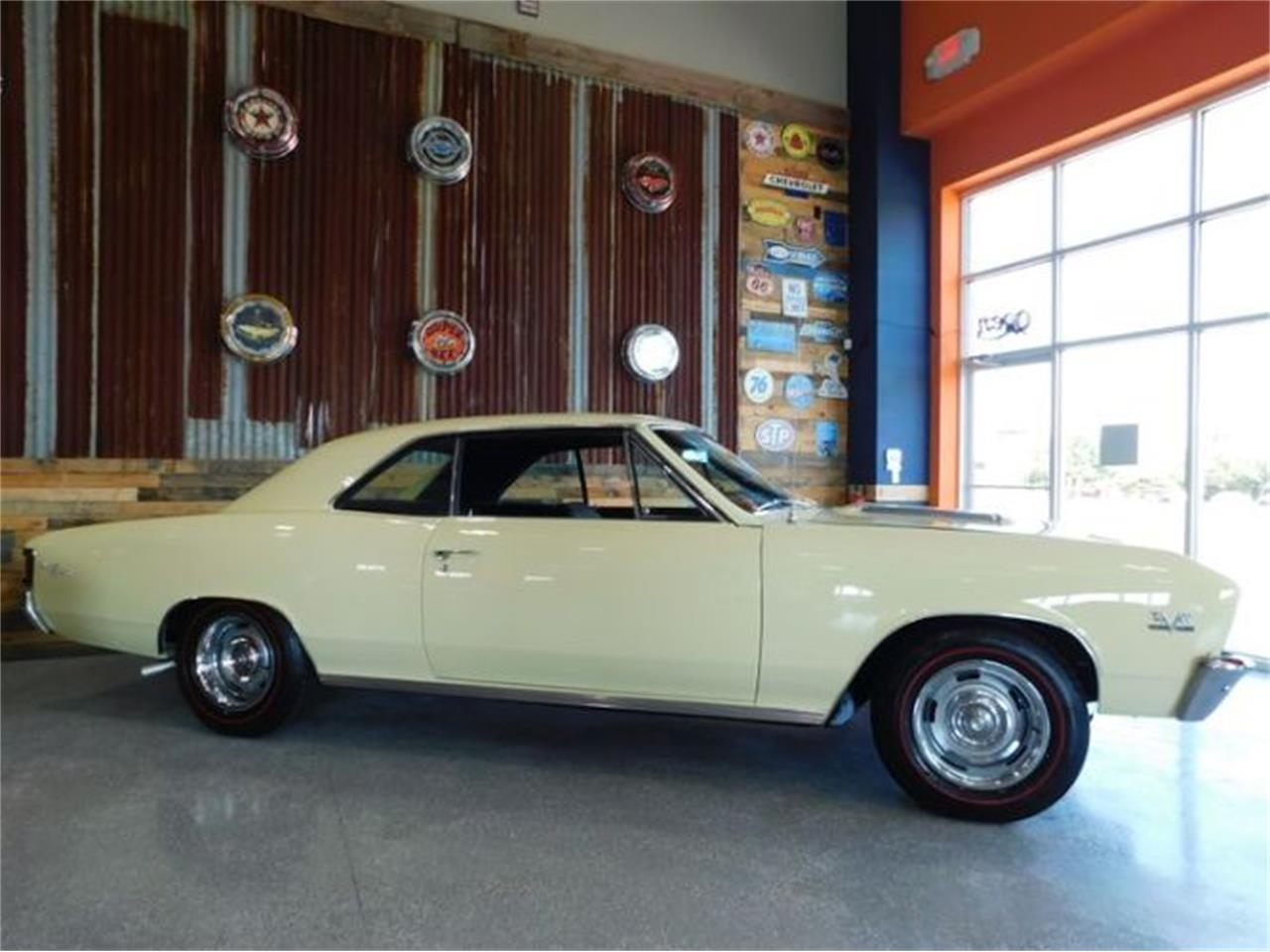 Large Picture of '67 Chevelle - R0TF