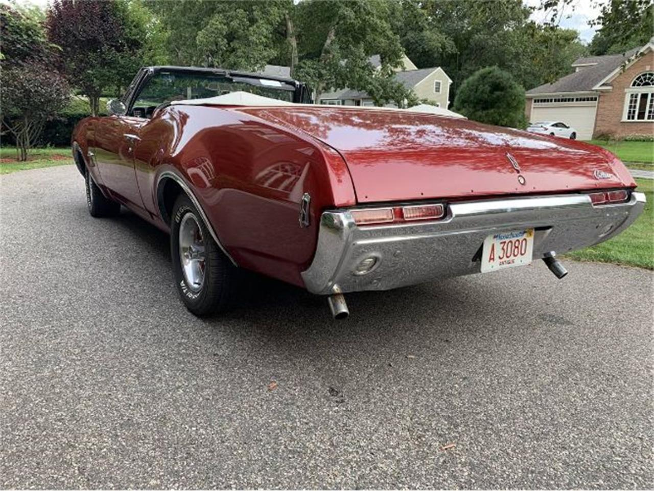 Large Picture of Classic '68 Cutlass - $23,895.00 Offered by Classic Car Deals - R0TI