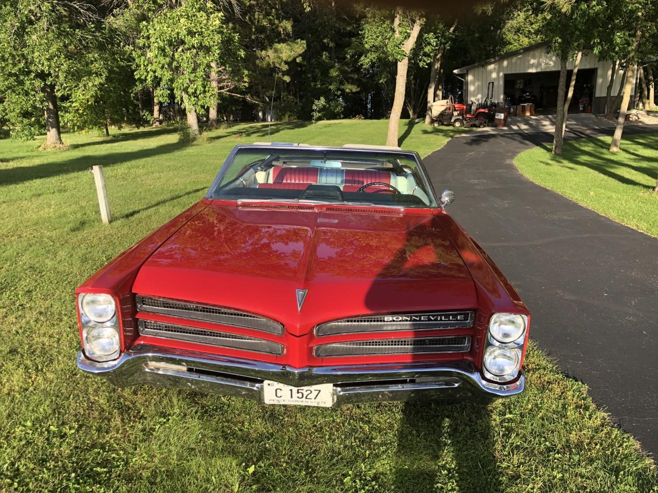 Large Picture of '66 Bonneville - R8OU