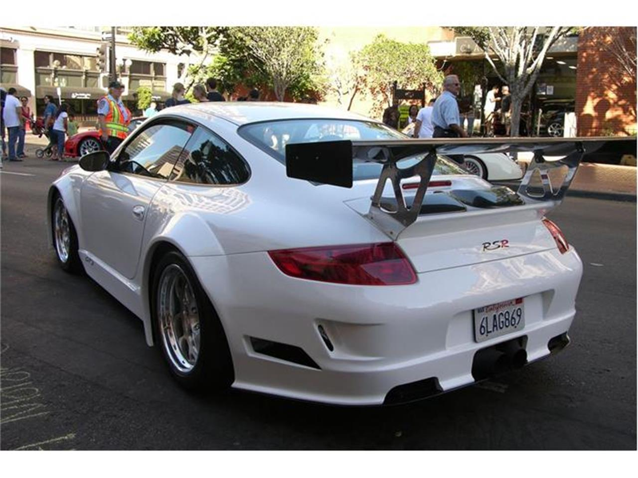 Large Picture of '01 Porsche 911 located in California Auction Vehicle Offered by Beverly Hills Motor Cars - 3M40