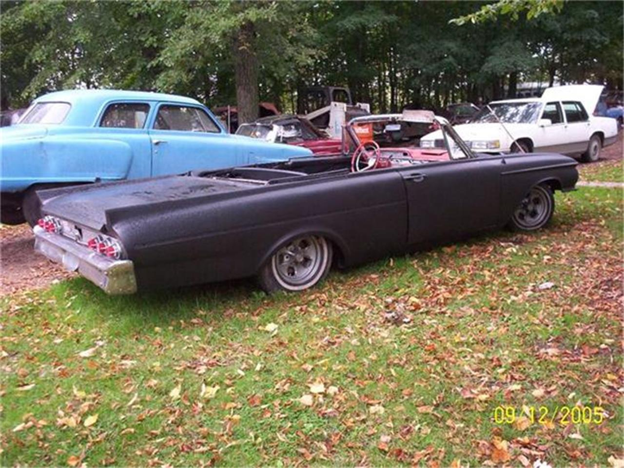 Large Picture of '61 Convertible - SHA