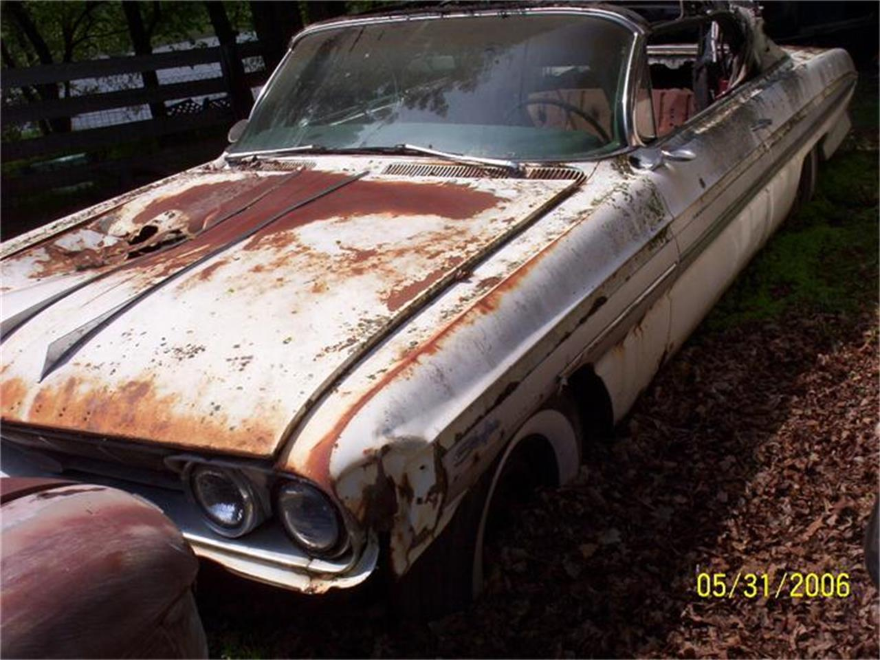 Large Picture of '61 Oldsmobile Starfire located in Minnesota Offered by Dan's Old Cars - SHI