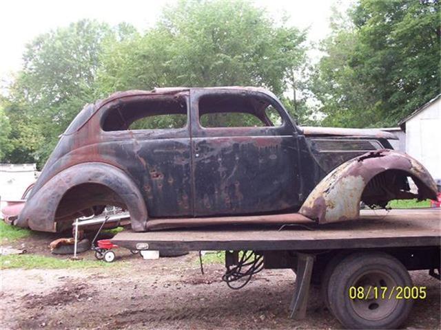 1937 Ford 2-Dr Sedan