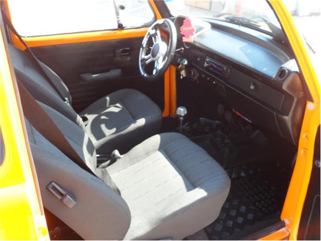 Large Picture of Classic 1973 Volkswagen Beetle located in Texas - 76F2