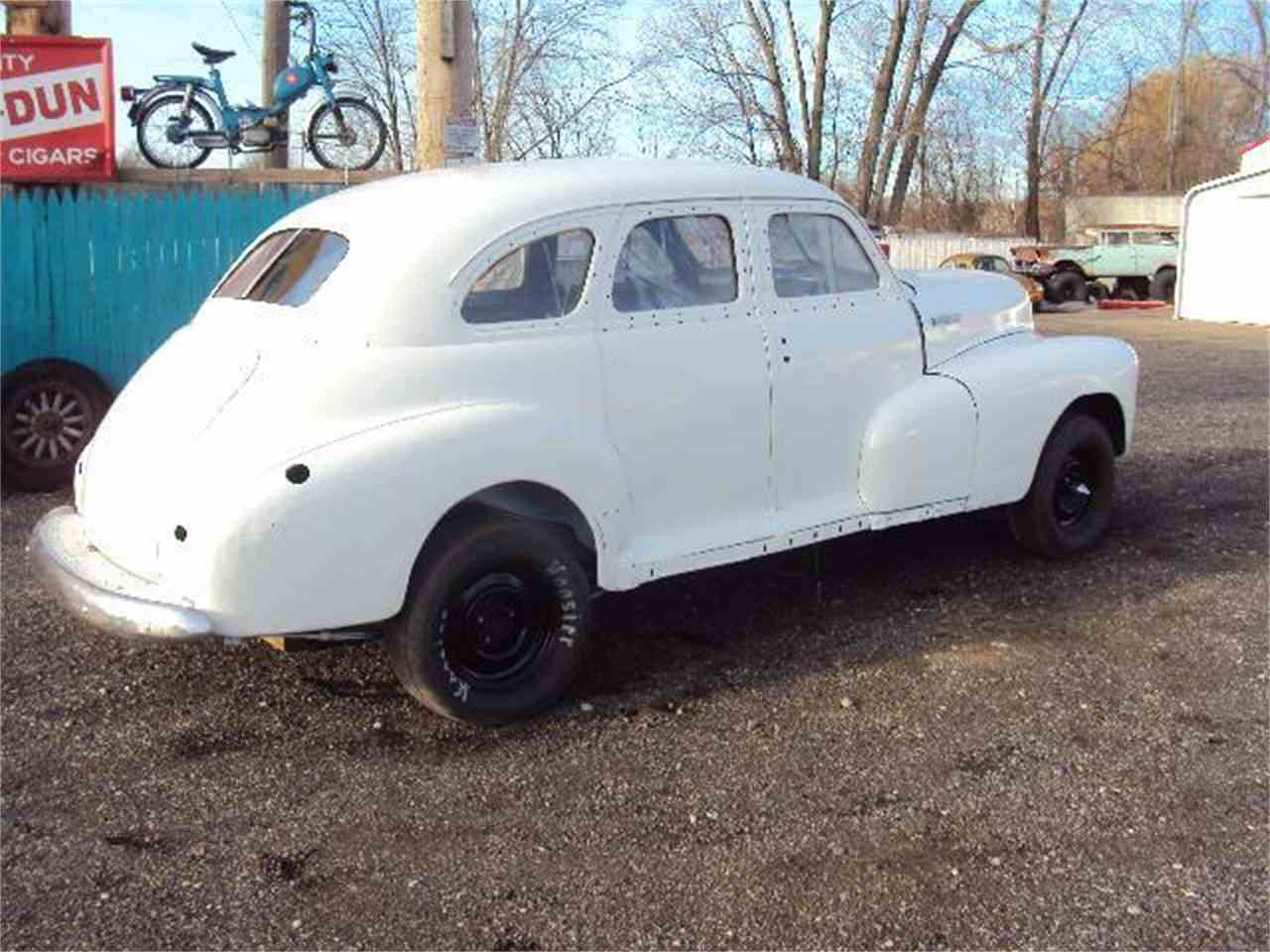 Large Picture of Classic 1947 4-Dr Sedan Offered by Marshall Motors - 86B5