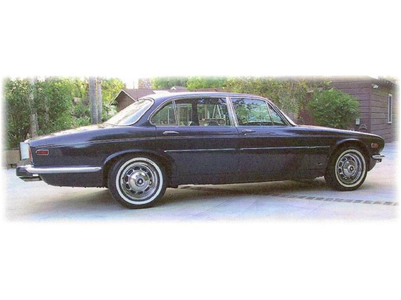 Large Picture of Classic 1973 Jaguar XJ12 located in Illinois Offered by a Private Seller - 8FQM
