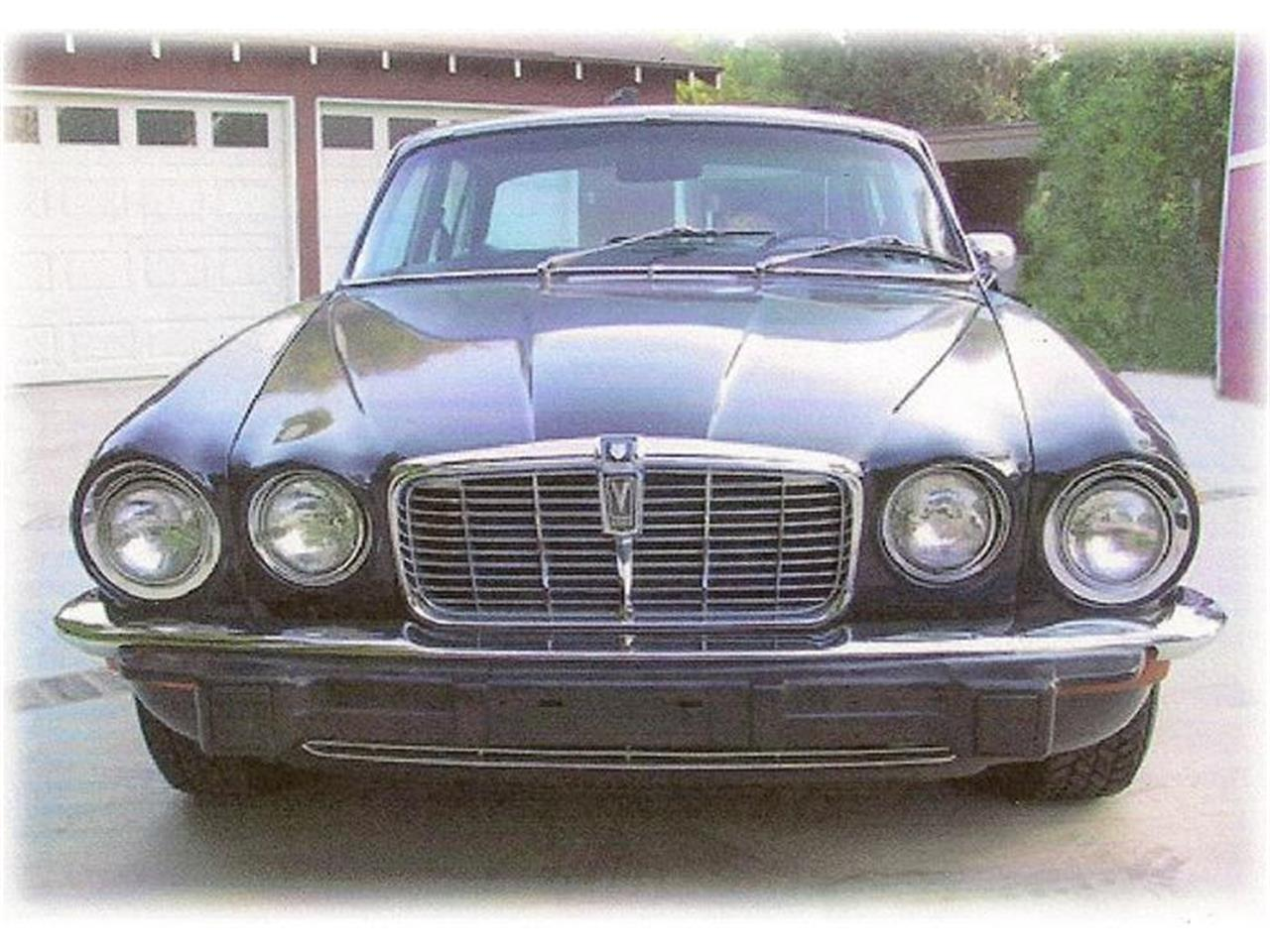Large Picture of Classic '73 Jaguar XJ12 - $13,400.00 Offered by a Private Seller - 8FQM