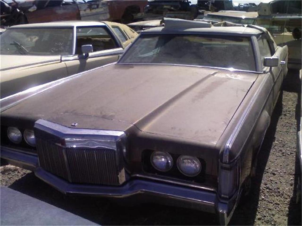 Large Picture of 1971 Continental located in Phoenix Arizona Offered by Desert Valley Auto Parts - 8IEM