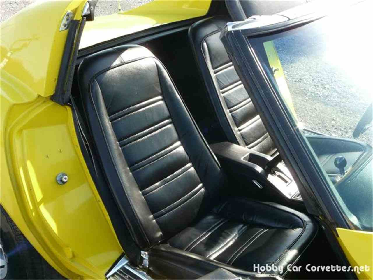 Large Picture of '77 Corvette - 8P2D