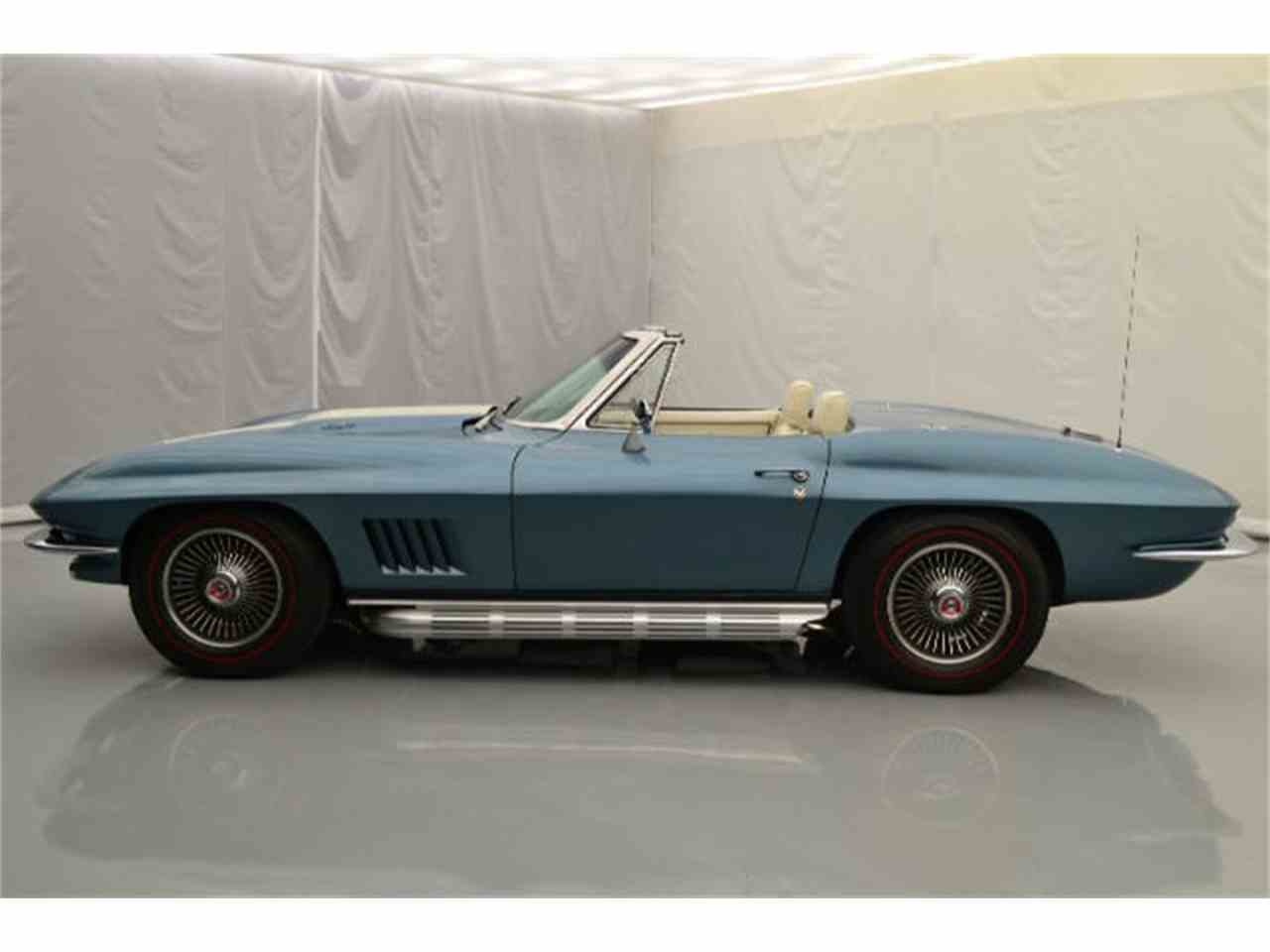 Large Picture of '67 Corvette - 8QFG