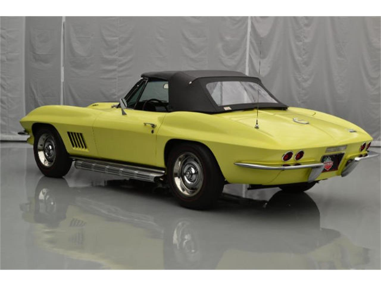 Large Picture of Classic 1967 Chevrolet Corvette Offered by Paramount Classic Car Store - 8QFH