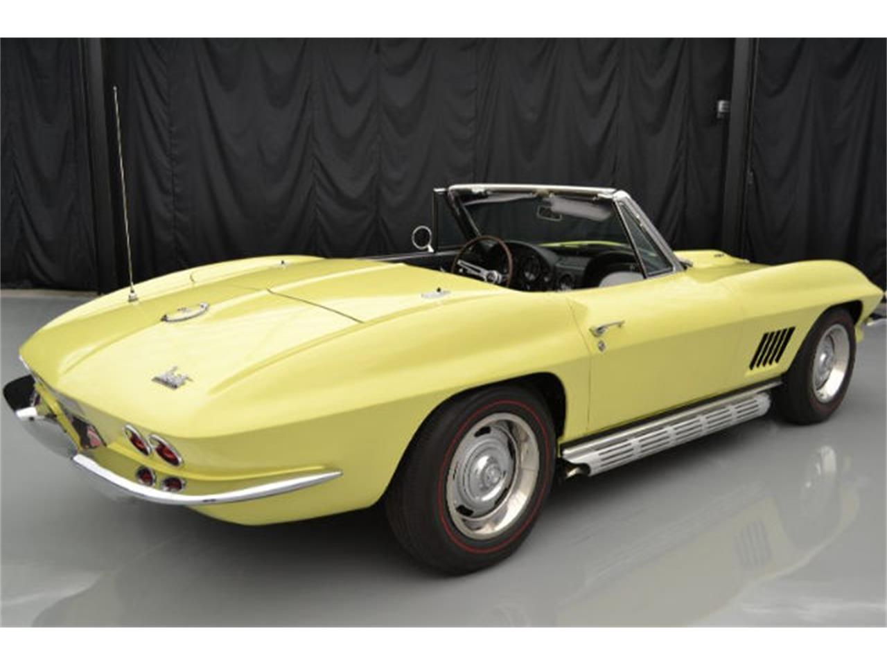 Large Picture of 1967 Chevrolet Corvette Offered by Paramount Classic Car Store - 8QFH