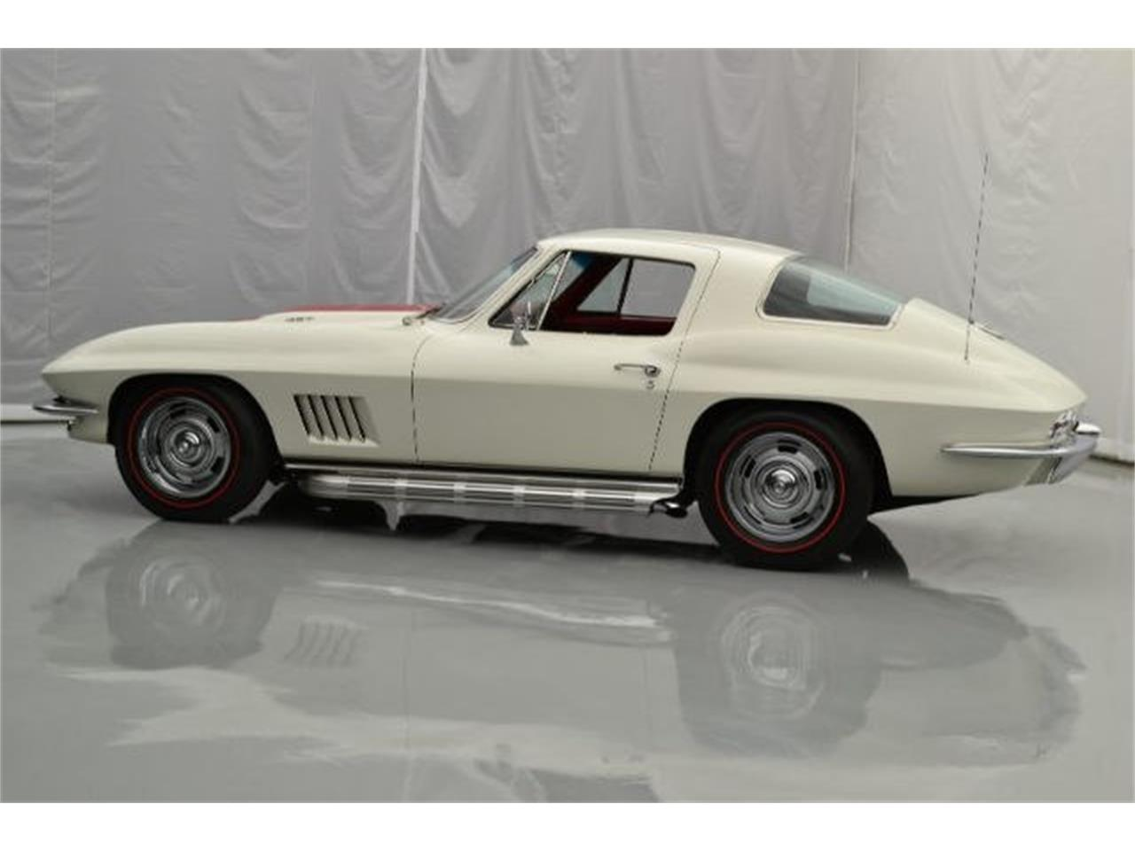 Large Picture of Classic '67 Chevrolet Corvette - 8QFI