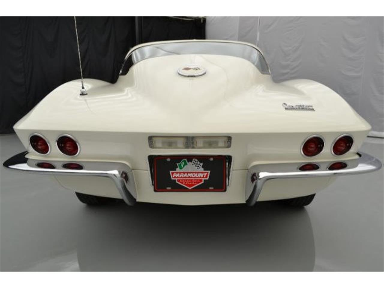 Large Picture of '67 Corvette Offered by Paramount Classic Car Store - 8QFI