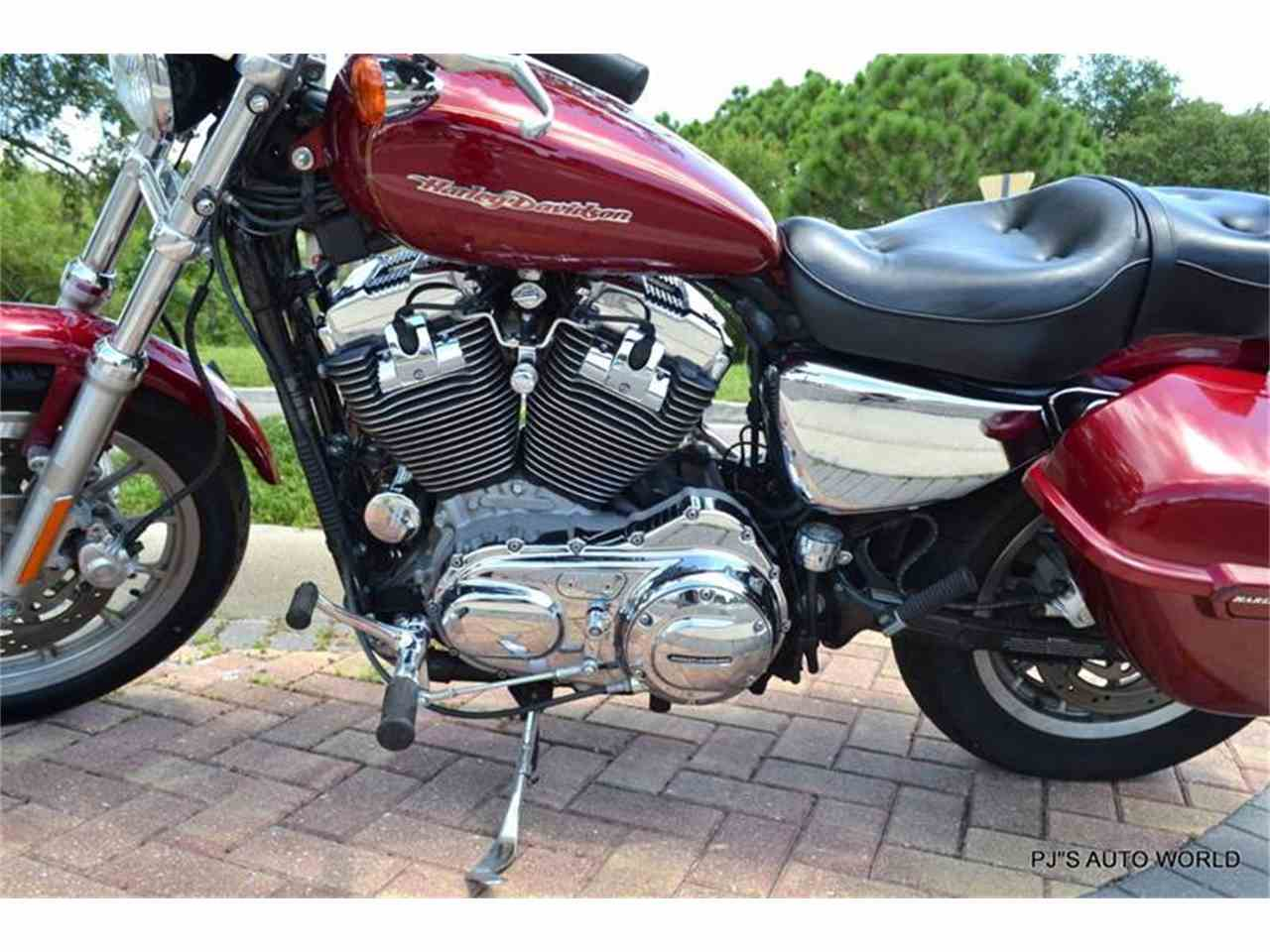 Large Picture of 2004 Sportster located in Clearwater Florida - 91G4
