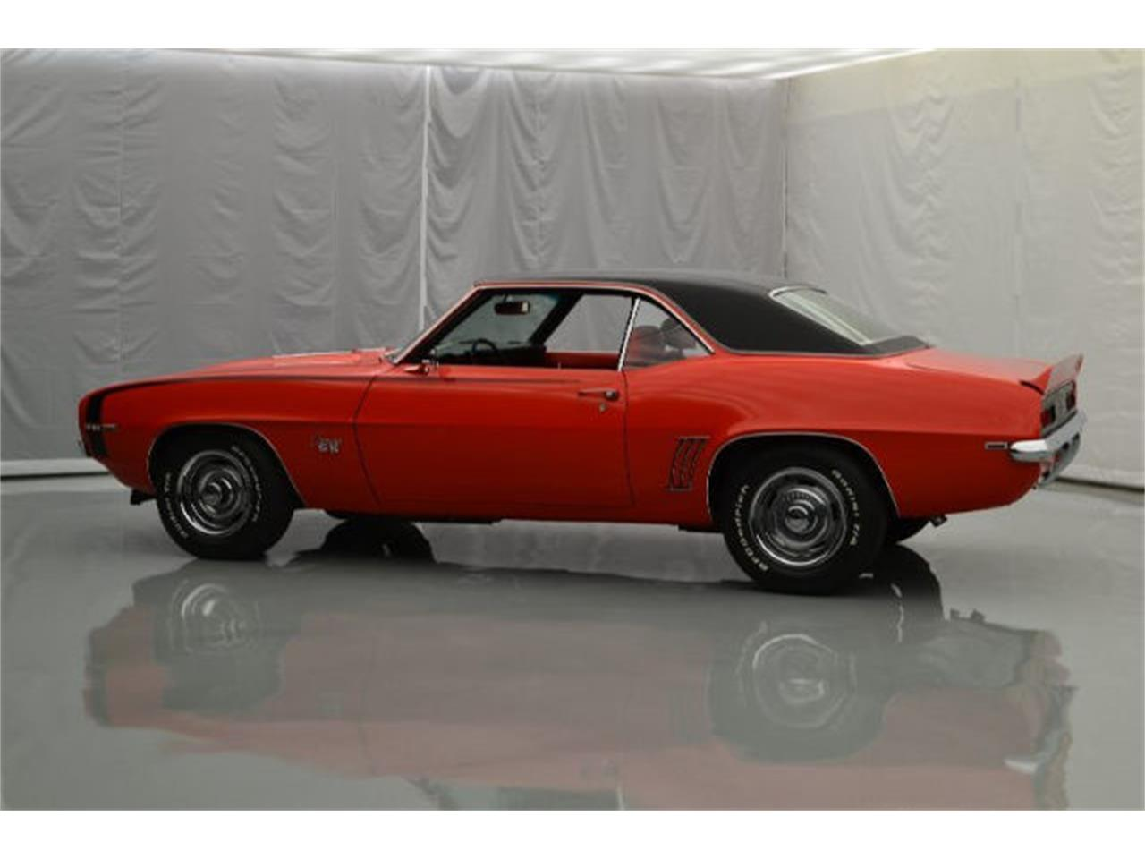 Large Picture of 1969 Camaro located in North Carolina Offered by Paramount Classic Car Store - 92DQ