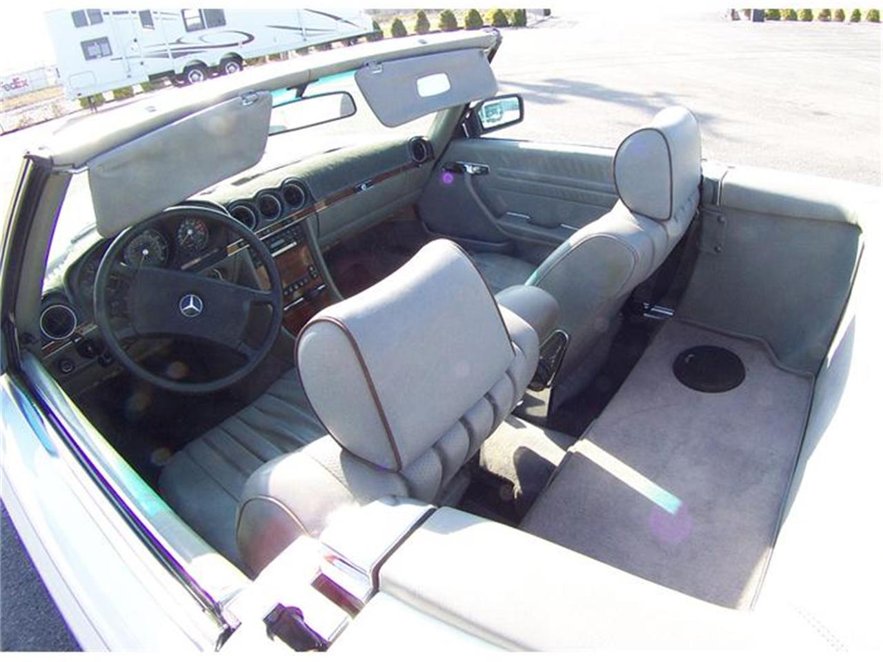 Large Picture of '83 380SL located in Virginia - $7,500.00 Offered by a Private Seller - 92IP