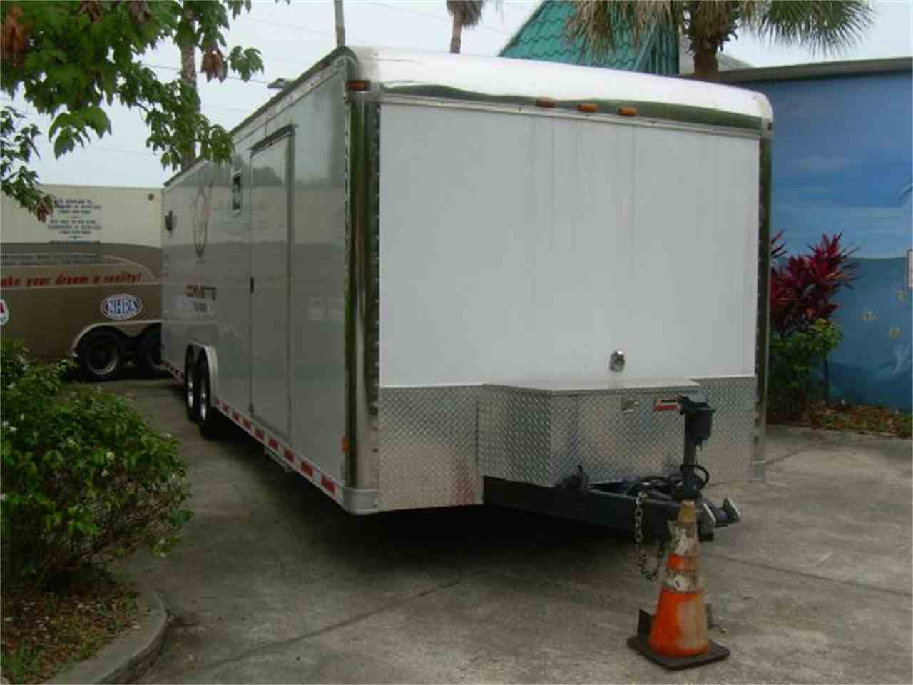 Large Picture of '06 28 Foot Enclosed Trailer - 931T