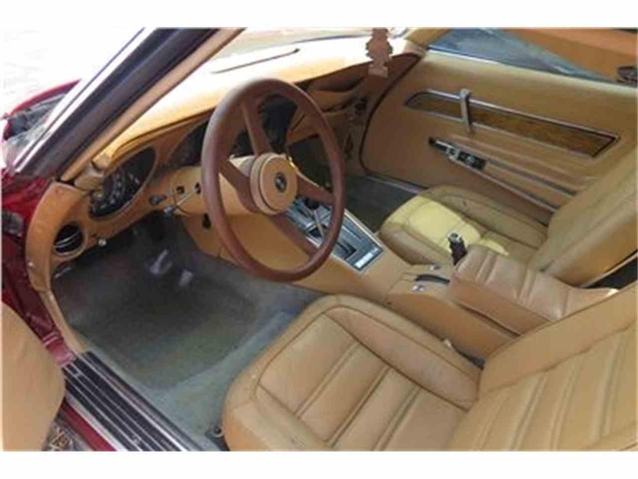 Large Picture of '76 Corvette - 95RV