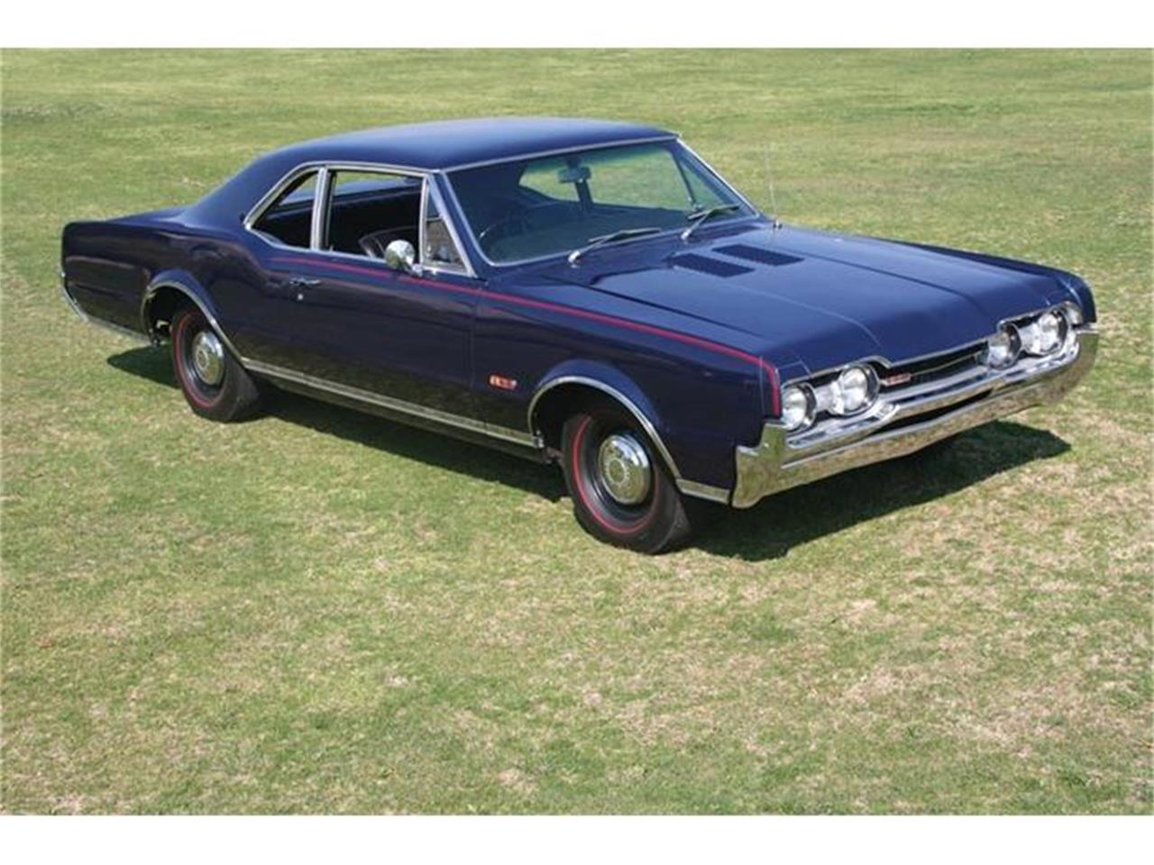 Large Picture of Classic 1967 Cutlass - 96JE